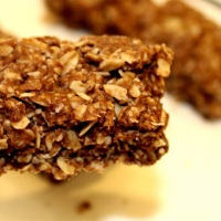Chewy Chocolate Granola Bars - vegan, nut-free